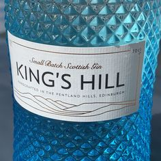 Close up of the King's Hill gin bottle label Scottish Gin, Gin Tasting, What Katie Did, Gin Gifts, Gin Recipes, Gin Lovers, Gin Bottles, Blue Bottle, Mixers