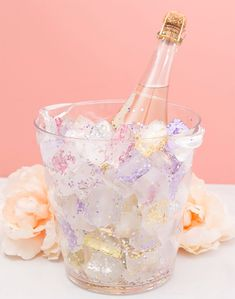Learn How To Make Gorgeous, Glitter Ice Cubes For Chilling! Make your own glitter ice cubes to chill your bridal shower wine with! 18th Birthday Party, Unicorn Birthday Parties, Glitter Birthday, Birthday Ideas 18th, Birthday Party Ideas, 21st Birthday Themes, Diy Unicorn Party, Wine Birthday, Unicorn Wedding