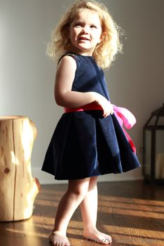 Simple with a nice pleated skirt and hidden pockets. Kids Fashion Show, Toddler Fashion, Diy Fashion, Street Fashion, Sewing For Kids, Baby Sewing, Girl Dress Patterns, Pdf Sewing Patterns, Little Princess