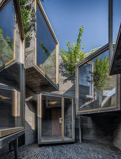 Micro-Hutong by ZAO/standartarchitecture Beijing Wu Qingshan - Architecture and Home Decor - Bedroom - Bathroom - Kitchen And Living Room Interior Design Decorating Ideas - Architecture Cool, Landscape Architecture, Chinese Architecture, Hutong Beijing, Beijing China, Exterior Design, Interior And Exterior, Room Interior, Nova Deli