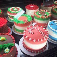#christmas #cookies #christmascookies #holidayfood #christmascookiedecoration #christmascookieidea #christmasfood #hungry #yummy