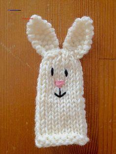 Aelys' Bunny Finger Puppet - #handpuppets Finger Knitting, Easy Knitting, Loom Knitting, Knitting Patterns Free, Crochet Patterns, Knitting For Kids, Animal Hand Puppets, Felt Finger Puppets, Glove Puppets