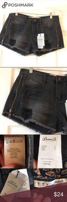 🔥BOGO🔥NWT Denim Co Black Distressed Jean Short 6 Brand new zipper detail on sides amazing Shorts Denim Co Shorts Jean Shorts