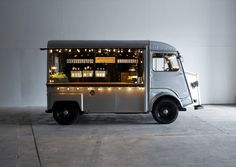 If you want a food truck or mobile bar at your wedding, look no further. We've rounded up the best options that can roll up to your celebration and serve fun food and drink options. Coffee Carts, Coffee Truck, Mobile Bar, Coffee Van, Coffee Shop, Food Trucks, Streetfood Market, Citroen H Van, Coffee Trailer