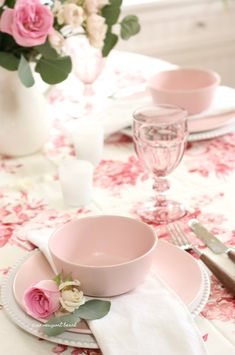 If you had to set up a romantic littleValentine's tablescape,what would your go-to items be? Thanksgiving Table Settings, Christmas Table Settings, Holiday Tables, Spring Home Decor, Spring Decorations, Pink Plates, Chintz Fabric, Table Setting Inspiration, Blush Wedding Flowers