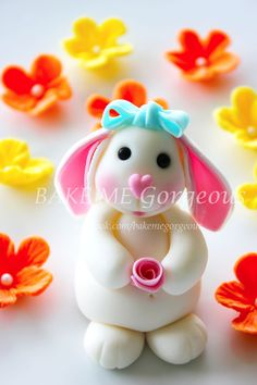 love the mini rose and floppy ears! :::: facebook.com/bakemegorgeous