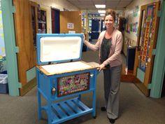 Our 4th grade classroom auction project. 2013 Auction idea : cooler. Auction project: kids decorated bottle caps  Art project for classroom