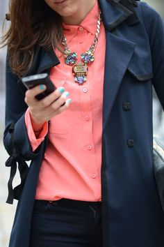 ::STREETSTYLE:: One should not underestimate jewelry, at least not to a colorful shirt like this