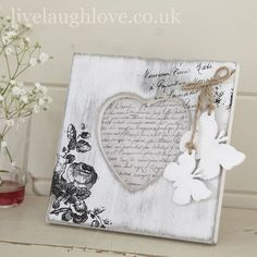 Photo frames are a simple way to add shabby chic or vintage style. Perfect for framing memories, Live Laugh Love have many styles of shabby chic photo frames. Frame Crafts, Diy Frame, Butterfly Photo Frames, Shabby Chic Photo Frames, Shabby Chic Accessories, Crafts With Pictures, Decoupage Vintage, Craft Fairs, Craft Ideas
