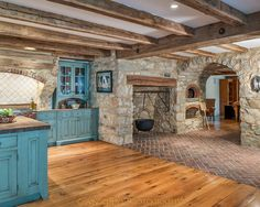Sensational Pizza Oven decorating ideas for Cute Kitchen Traditional design ideas with brick indoor wood fired pizza oven stone stone arch tile backsplash -fireplace Indoor Pizza Oven, Colonial Kitchen, Primitive Kitchen, Kitchen Rustic, Stone Kitchen, Kitchen Ideas, Kitchen Decor, Country Kitchen, Kitchen Photos