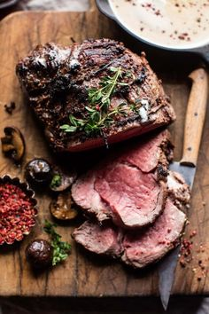 Roasted Beef Tenderloin with Mushrooms and White Wine Cream Sauce. christmasdinnerideas Roasted Beef Tenderloin with Mushrooms and White Wine Cream S… Beef Tenderloin Recipes, Beef Tenderloin Roast, Roast Beef Recipes, Roast Fillet Of Beef, Roast Beef Dinner, Cooking Roast Beef, Oven Roast Beef, Best Roast Beef, Roast Beef With Potatoes