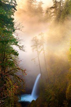 Misty Metlako | Columbia River Gorge | Oregon | Photo By Jordan Ek