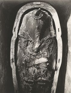 Tutankhamun's second coffin (TAA Photograph by Harry Burton, Archives of the Egyptian Expedition, Department of Egyptian Art. Egyptian Pharaohs, Ancient Egyptian Art, Ancient History, Art History, Egyptian Symbols, European History, Ancient Aliens, Ancient Greece, American History