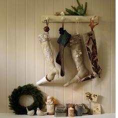 Hang Christmas stockings | Hallway | PHOTO GALLERY | Country Homes and Interiors | Housetohome.co.uk