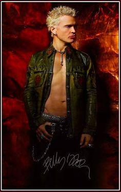 Billy Idol: my mot has met him backstage said he was a proper gent !!
