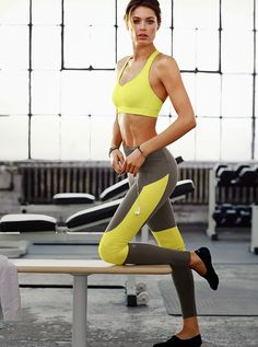 Doutzen Gets Sporty - Showing that activewear can be just as sexy as lingerie, Victoria's Secret model Doutzen Kroes wears looks from the VS Sport line in a new shoot. Rocking gym wear ranging from Sport Style, Sport Chic, Doutzen Kroes, School Looks, Vs Sport, Sport Wear, Sport Fashion, Fitness Fashion, Fashion Music