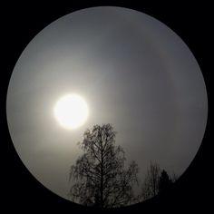 Solar eclipse 20.3.2015 in Espoo, Finland. | Auringonpimennys kuvattuna kännykällä pilvisessä Espoossa. Photo taken with iPhone6 plus by Kaisa Rautio, Coriosi www.coriosi.com