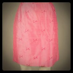 FLASH ⚡️SALE Lilly Pulitzer Bow skirt  Adorable silk Lilly skirt with green lining! EUC & ready to ship! Lilly Pulitzer Skirts