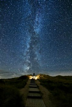 Stairway to heaven, Ireland: every 2 years, the stars line up with this trail on June 10th-June 18th.