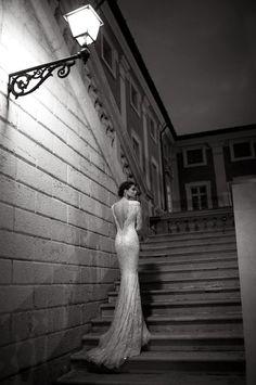 http://www.toutpourmonmariage.com/2013/12/les-prestigieuses-robes-de-mariee-de.html