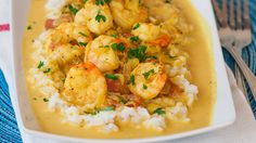 Coconut Shrimp Curry – tried and approved! Jo invites you to try this amazing recipe for this tasty and flavorful coconut shrimp curry, comfort food at its finest. Curry Recipes, Fish Recipes, Seafood Recipes, Indian Food Recipes, Asian Recipes, Cooking Recipes, Healthy Recipes, Eat Healthy, Comida India