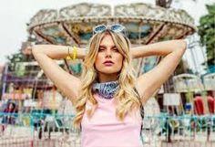 """Résultat de recherche d'images pour """"Valentina Zenere"""" Disney Channel, Ambre Soy Luna, Ambre Smith, Flowers In Hair, Her Style, Singer, Actresses, Elegant, Wii"""