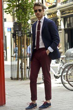 Adam Gallagher - Galla takes London 1 Red Pants Men, Maroon Pants, Best Mens Fashion, Look Fashion, Smart Casual, Burgundy Chinos, Grey Suit Men, Look Man, Professional Wardrobe