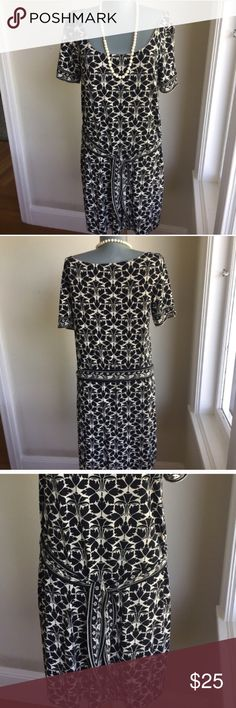 """Studio M Shift Dress.  So Pretty. Studio M Shift Dress.  So Pretty.  Can wear with or without tie that comes with dress.  See tie in pic 3.  Between underarms 18"""". Waist area 39"""".  Hip area 40"""".  Shoulder to hem 35"""".  Very good condition.  So pretty. Studio M Dresses"""