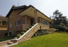 Un ingresso notevole per una bella #villa. #brescia #dreamhome