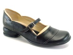Check out the Fluevog Sandra