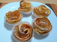 Flores de hojaldre y manzana a la canela y melocotón