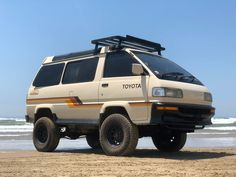 Learn more about Skylite Roof Turbodiesel: 1991 Toyota LiteAce in the US on Bring a Trailer, the home of the best vintage and classic cars online. Toyota 4x4, Toyota Hiace, Toyota Cars, Best Classic Cars, Classic Cars Online, 8 Passenger Minivan, Offroader, 4x4 Van, Cool Vans