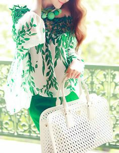 Green Contrast Hollow Lace Leaves Print Blouse
