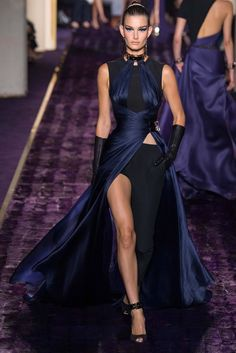 Atelier Versace Fall 2014 Couture Fashion Show - Ophelie Guillermand (Women)