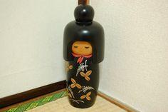 http://de.dawanda.com/product/73791615-Kokeshi-Kimono-Holzpuppe-Hausdeko-Japanisch