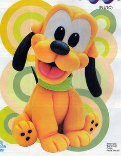 Tartas, Galletas Decoradas y Cupcakes: Miska Mouska Mickey Mouse! Polymer Clay Figures, Polymer Clay Animals, Fondant Figures, Polymer Clay Projects, Biscuits, Disney Babys, Fondant Animals, Fondant Cake Toppers, Fondant Decorations