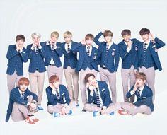 엑 소 #EXO OT12 -2013 Baekhyun Chanyeol, Park Chanyeol, Exo Group Photo, Exo 12, Exo Album, Korean Boy, Hunhan, Kim Minseok, Kpop Exo