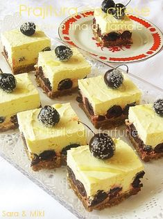 Cherry cake and lemon cream Romanian Desserts, Romanian Food, Cherry Cake, Lemon Cream, Healthy Tips, Sweet Treats, Cheesecake, Good Food, Food And Drink