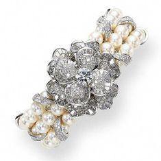 Best Diamond Bracelets : Chanel pearls and diamonds bracelet Diamond Bracelets, Pearl Bracelet, Pearl Jewelry, Bangle Bracelets, Jewelry Box, Vintage Jewelry, Fine Jewelry, Chanel Bracelet, Cartier Bracelet