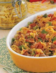 Spanish Noodles 'N' Ground Beef Recipe -Bacon adds flavor to this comforting stovetop supper my mom frequently made when we were growing up. Now I prepare it for my family. It disappears quickly and is budget-pleasing, too, at just 87 Ground Meat Recipes, Beef Recipes, Cooking Recipes, Beef Meals, Easy Recipes, Beef Welington, Sirloin Recipes, Goulash Recipes, Stuffed Peppers