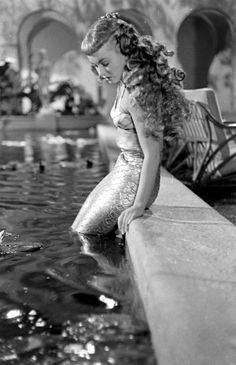 Ann Blyth in Mr. Peabody and the Mermaid 1948 her many combs she wore in her hair were made by Joseff of Hollywood. Real Mermaids, Mermaids And Mermen, Fantasy Mermaids, Sirens, Ann Blyth, Vintage Photography, White Photography, Mermaid Tale, Mermaid Mermaid