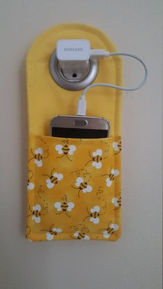 Your place to buy and sell all things handmade Bumble Bee Cell Phone charging station Small Sewing Projects, Sewing Projects For Beginners, Sewing Hacks, Sewing Tutorials, Sewing Patterns, Free Tutorials, Sewing Machine Projects, Sewing Tips, Fun Projects