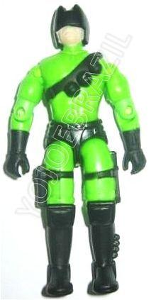Descrição:  O Piloto da Flash Moto (Raio Verde) foi lançado no Brasil em 1995 (Série 12) pela companhia de Brinquedos Estrela, a figura corresponde ao modelo swivel arm (com movimento nos cotovelos). Trata-se da versão nacional do High Explosive Anti-Tank Trooper [H.E.A.T. Viper] fabricado em 1993 pela Hasbro pela série G.I. JOE.