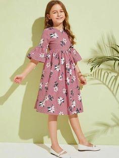 Stylish Dresses For Girls, Frocks For Girls, Little Girl Dresses, Cotton Frocks For Kids, Vintage Girls Dresses, Girls Frock Design, Kids Frocks Design, Girls Fashion Clothes, Kids Fashion