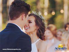 #bodaenacapulco Paquetes de bodas en Acapulco con Park Royal. BODA EN ACAPULCO. Acapulco es un paradisiaco destino que ha servido como escenario, para la unión de parejas enamoradas por sus paisajes románticos y con Park Royal, también podrás unirte a tu pareja en este maravilloso lugar, ya que te ofrece diferentes paquetes para el evento con distintos servicios para que escojas el que más te agrade. Visita la página de Fidetur Acapulco, para obtener más información.