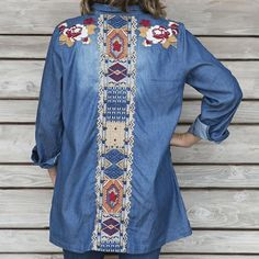Keep it classic with this AMAZING #EMBROIDERED #DENIM #TUNIC!  Stunning #embroidery in a #floral and #tribal print on on the front and completely down the back! Click link in profile to purchase! #shoppaisleygrace #cherokeerosedenimtunic