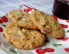 Oatmeal Raisin Cookies from Food.com:   								This comes from Grandma's Great Desserts.  It is easy plus you use only one bowl.  Every oven is different so watch cookies carefully so that you get the degree of doneness your family prefers.
