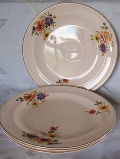 Vintage 1940's Set Of 4 Luncheon Plates by AuntSuesVintage on Etsy, $35.99