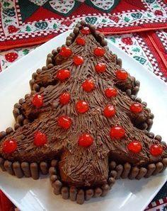 Linda e gostosa... Mais uma opção de sobremesa para seu natal ficar mais doce! Ingredientes Chocolate 500 gr forma de árvore de ...