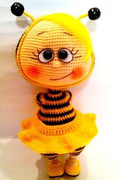 (Inspiración) Bonnie in un vestito api di Havva Unlu - MY VYAZALKI - Gallery - fan amigurumi forum (giocattoli a maglia) Crochet Bee, Crochet Amigurumi, Crochet Doll Pattern, Crochet Toys Patterns, Cute Crochet, Amigurumi Doll, Beautiful Crochet, Amigurumi Patterns, Stuffed Toys Patterns